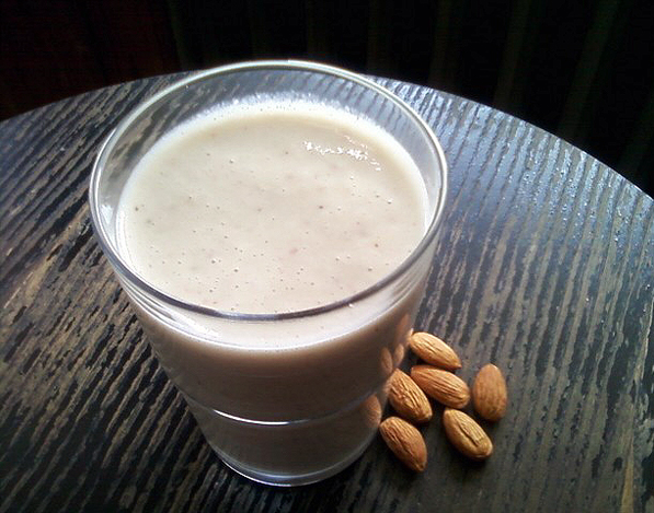 #SmoothieNumbers 8: Banana and Almond