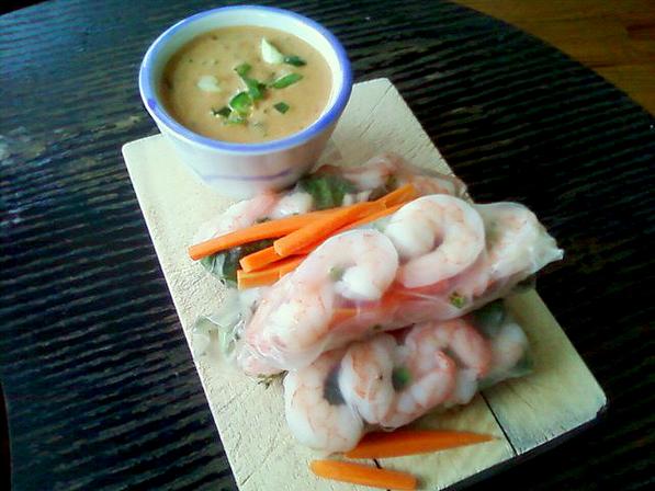 Spring Shrimp Rolls served with Peanut Sauce