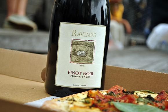 Ravines Pinot Noir 2008