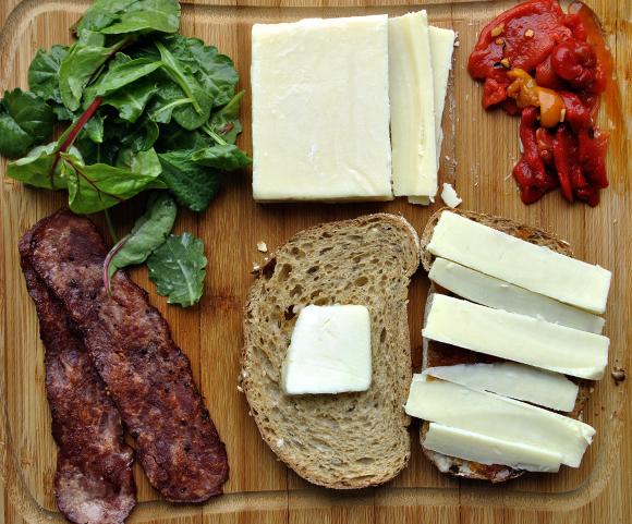 Ingredients of Chutney and Cheddar Egg Sandwich